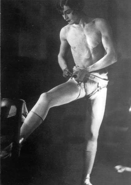 """""""Barbette"""", Photo de Man Ray, le grand complice de MD. lesurnom de Barbette évoque bien sûr la pilosité."""