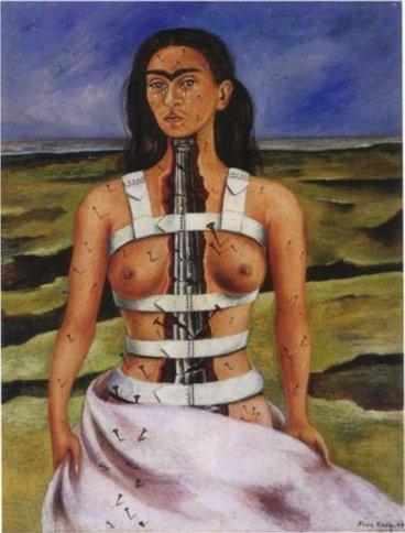 Je fameux autoportrait de Frida Kahlo à la colonne brisée ; l'une des femmes artistes connue, sans doute hélas du fait de l'aspect dramatique de sa vie plus que de son art.